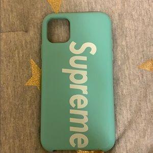 Supreme iPhone 11 soft case